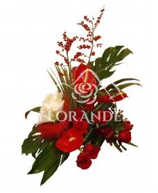 Aranjament de iarna cu trandafiri
