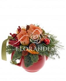 Aranjament floral de iarna cu scortisoara