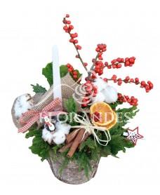 Aranjament floral ilex si bumbac
