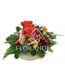 Aranjament floral trandafiri si citrice