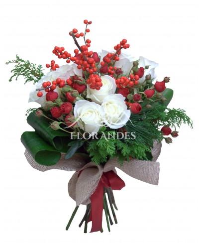 Buchet ilex si trandafiri albi
