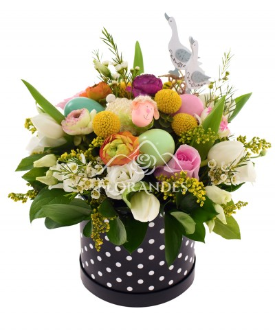 Aranjament floral ranunculus si lisianthus