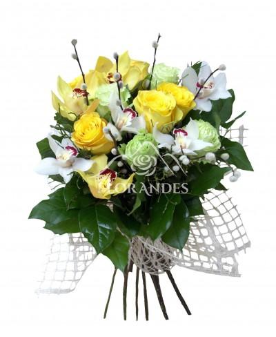 Buchet trandafiri galbeni si orhidee