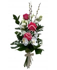 Buchet de trandafiri ciclam si lisianthus