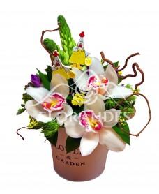 Aranjament floral cu orhidee alba