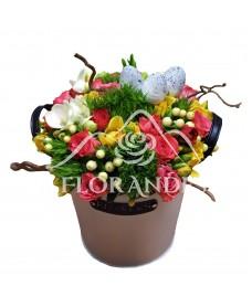 Aranjament floral minitrandafiri ciclam si frezii