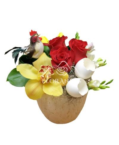Aranjament floral orhidee si frezii albe