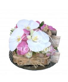 Tort cu orhidee alba