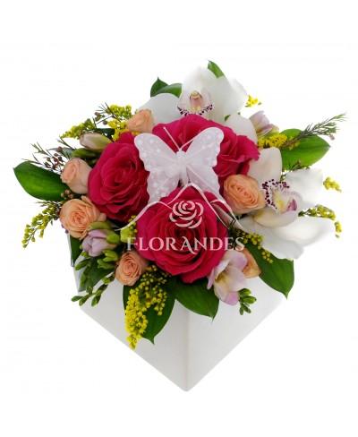 Aranjament floral cu orhidee cymbidium