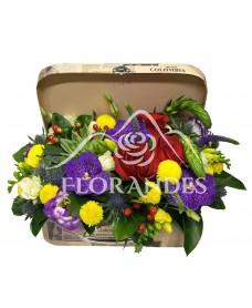 Aranjament floral cu orhidee vanda si trandafiri