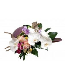 Aranjament floral frezii si orhidee