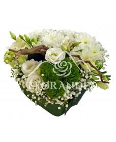 Aranjament floral inima cu crizantema