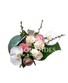 Aranjament floral orhidee phalaenopsis si trandafiri