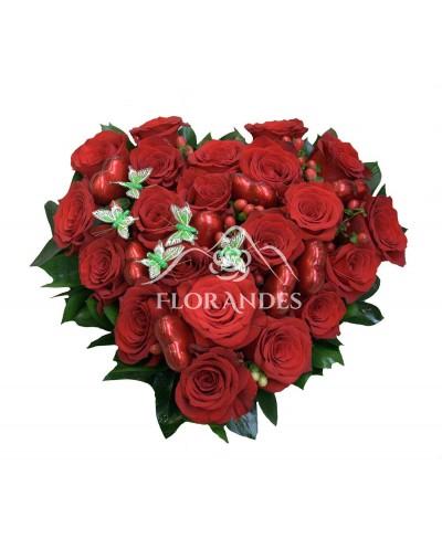 Aranjament inima din 21 trandafiri rosii