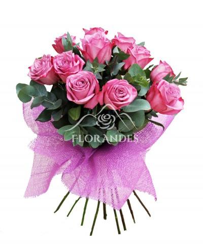 Buchet de 11 trandafiri mov