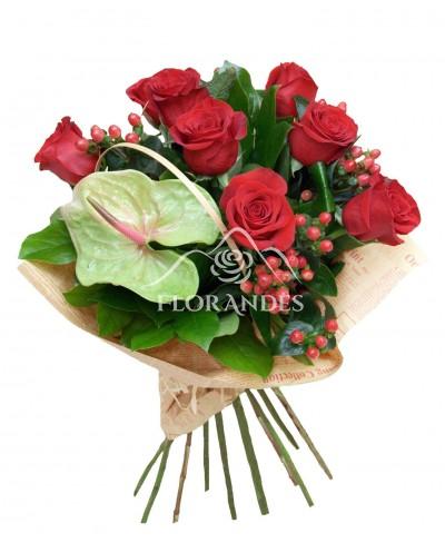 Buchet trandafiri rosii si anthurium