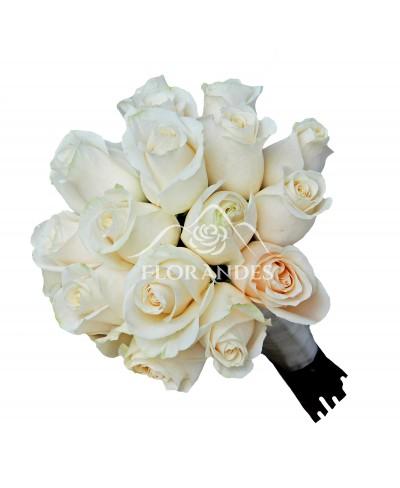 Buchet de mireasa cu 19 trandafiri crem
