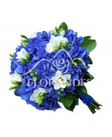 Buchet de mireasa cu hortensie albastra