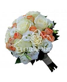 Buchet de mireasa cu lisianthus si trandafiri