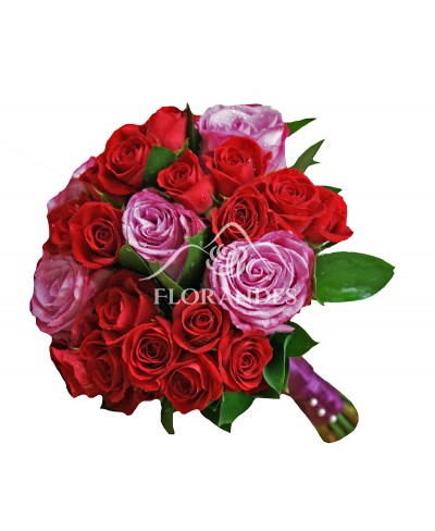 Buchet de mireasa cu minitrandafiri si trandafiri