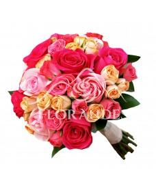 Buchet de mireasa cu trandafiri ciclam