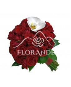 Buchet de mireasa cu trandafiri rosii