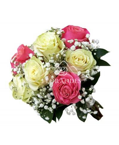 Buchet de mireasa cu trandafiri si gypsophila