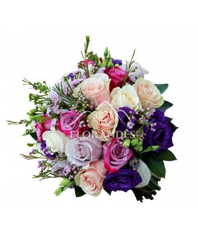 Buchet de mireasa cu trandafiri si wax flower