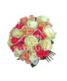 Buchet mireasa cu trandafiri albi si minitrandafiri