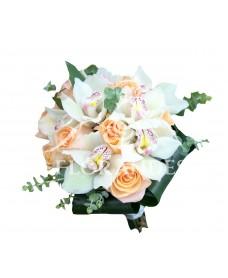 Buchet mireasa orhidee alba si trandafiri