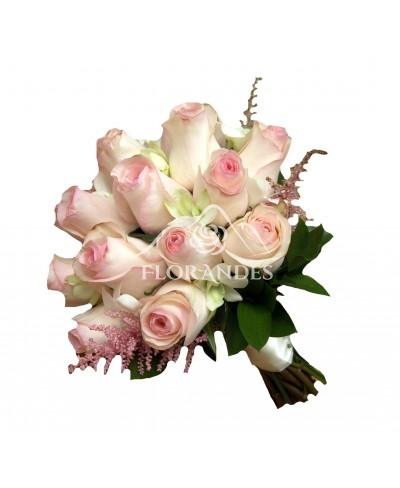 Buchet mireasa trandafiri roz si astilbe