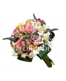 Buchet mireasa trandafiri roz si frezii