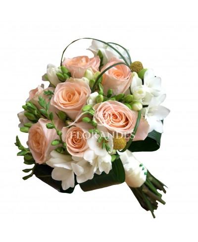 Buchet mireasa trandafiri somon si frezii