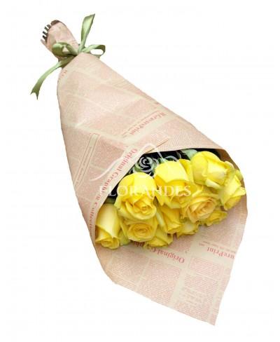 Buchet 11 trandafiri galbeni