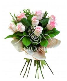Buchet de 11 trandafiri roz Senorita