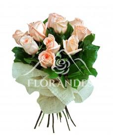 Buchet de 13 trandafiri roz