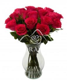 Buchet de 25 trandafiri ciclam in vaza