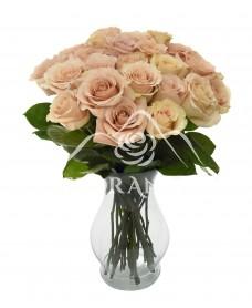 Buchet de 25 trandafiri roz cu vaza