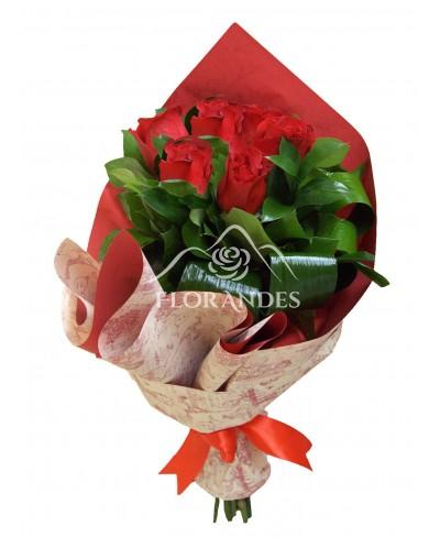 Buchet de 7 trandafiri rosii Freedom