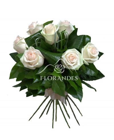Buchet de 7 trandafiri roz pal