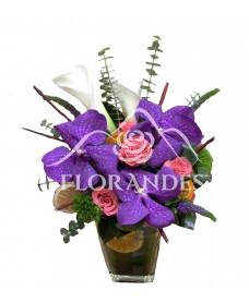 Aranjament floral cale si orhidee