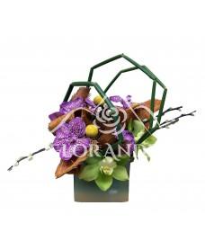 Aranjament floral orhidee si salix