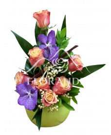 Aranjament floral orhidee vanda si trandafiri