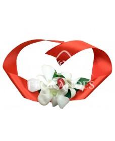 Corsaj cu orhidee alba