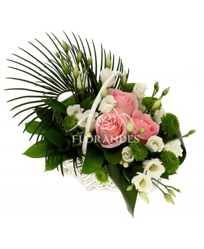 Cos cu trandafiri roz si lisianthus