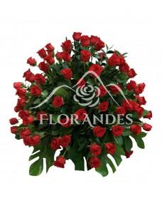 Cos de 101 trandafiri rosii