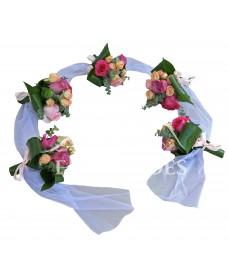 Aranjament pentru cristelnita cu trandafiri mov