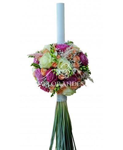 Lumanari de nunta cu trandafiri si astilbe