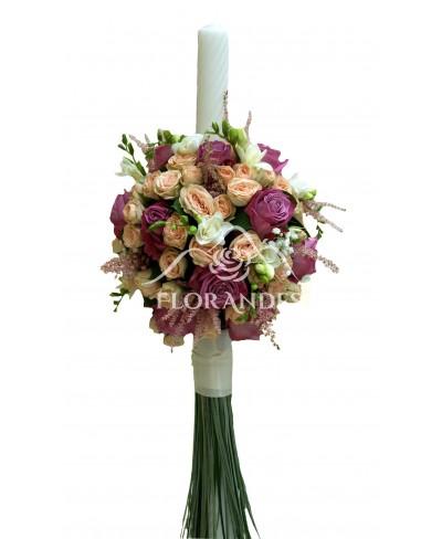 Lumanari nunta trandafiri mov si astilbe