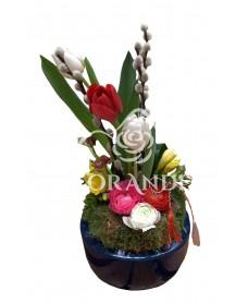 Aranjament floral frezii si lalele